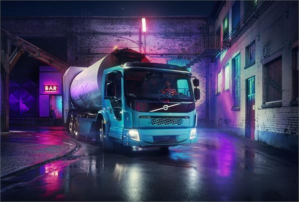 सड़कों से कचरा साफ करेगा Volvo का नया इलैक्ट्रिक ट्रक