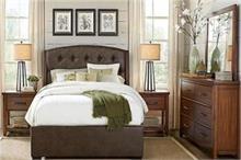 Vastu Tips: इस तरह करेंगे बेडरूम की सजावट तो घर में नहीं...
