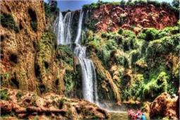 Amazing Waterfall! बोट में बैठकर लें यहां के अद्भुत नजारों का मजा