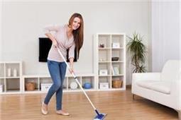 Home Care Tips: बारिश के मौसम में इस तरह करें अपने घर की देखभाल