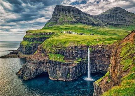 Amazing Place! दुनिया की इन 7 जगहों पर जमीन पर नहीं गिरती कोई चीज