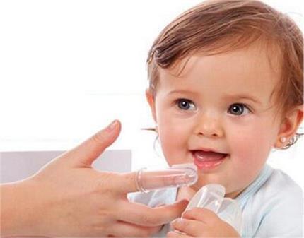 बच्चे के मुंह में पड़ गए है छाले तो अपनाएं ये असरदार घरेलू नुस्खे