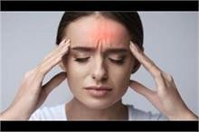 लगातार हो रहे सिर दर्द को न समझे मामूली, हो सकती हैं यह...