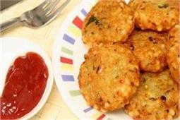 बारिश के मौसम में बना कर खाएं गर्मा-गर्मAloo Dal ki Tikki