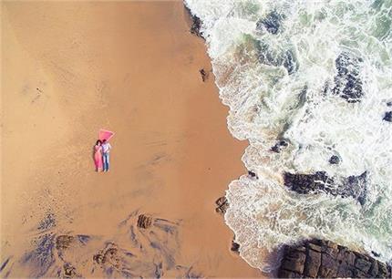 प्री-वैडिंग फोटोशूट के लिए चूनें Beach Concept और हर पल को बनाएं...