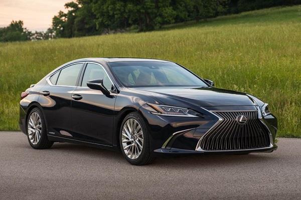 22.37km/l की माइलेज वाली Lexus की नई हाइब्रिड इलैक्ट्रिक सिडैन लांच