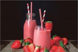 मेहमानों के लिए बनाएं ठंडी-ठंडी Strawberry Ginger Smoothie