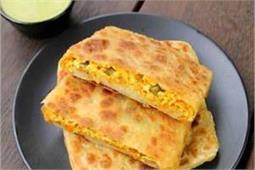 नाश्ते में बच्चों के लिए बनाएं टेस्टी-टेस्टी Mughlai Paratha