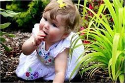 आपका बच्चा भी खाता है दिनभर मिट्टी तो क्या करें?