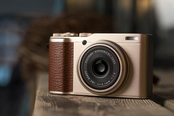 24.2MP सेंसर के साथ आया Fujifilm का XF10 प्रीमियम कॉम्पैक्ट कैमरा