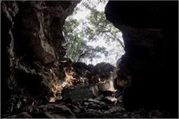 ये हैं भारत की रहस्यमयी गुफाएं, रोमांच के शौकीन करें यहां की सैर