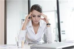 स्ट्रेस से घिरी महिलाओं के लिए बहुत काम के हैं ये 7 साइकोलॉजिकल ट्रिक्स