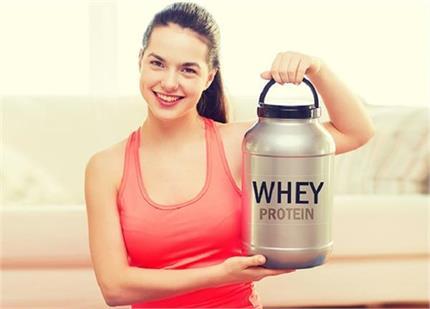 क्या है Whey Protein? महिलाओं को कब करना चाहिए इसका सेवन