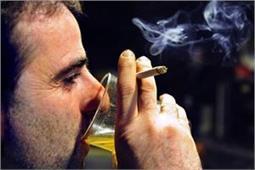 संभल जाए अगर आप भी पीते हैं शराब के साथ सिगरेट