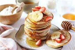 बच्चों को मिनटों में बनाकर खिलाएं टेस्टी-टेस्टी Banana Pancakes