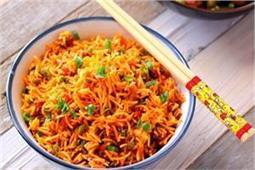 लंच या डिनर में बनाकर खाएं Schezwan Fried Rice
