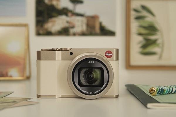 15x ऑप्टिकल ज़ूम के साथ भारत में लांच हुअा Leica का नया कैमरा