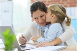 ऑफिस के साथ आसान होगी बच्चों की देखभाल, अपनाएं कुछ स्मार्ट तरीके