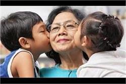 दादा-दादी और पोता-पोती का रिश्ता भी है बेहद प्यारा