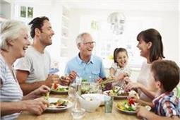Grand Parents से सीखें रिश्ते निभाने की ये 5 अहम बातें - Nari