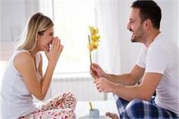 पति-पत्नी के रिश्ते में मिठास बढ़ाती हैं ये छोटी-छोटी बातें - Nari