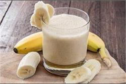 क्या दूध और केला एक साथ खाना है फायदेमंद? - Nari