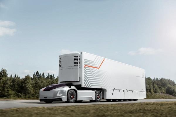 Volvo ने पेश किया अपना पहला सेल्फ ड्राइविंग ट्रक, जानें खासियत