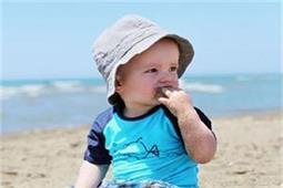 बच्चा खाता है मिट्टी तो जरूर अपनाएं ये घरेलू नुस्खे