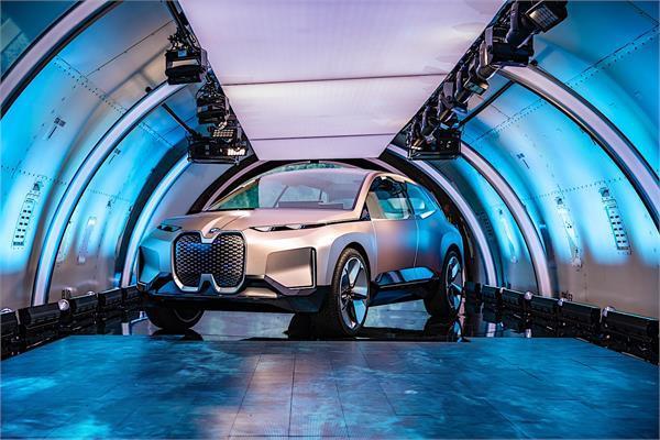 BMW ने दिखाई भविष्य की लग्जरी कार, इंटीरियर देख उड़ जाएंगे आपके होश