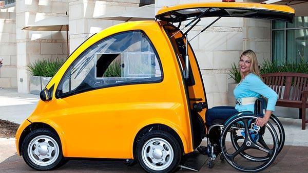 दुनिया की पहली व्हीलचेयर इलेक्ट्रिक कार, दिव्यांगों खुद कर सकेंगे ड्राइव