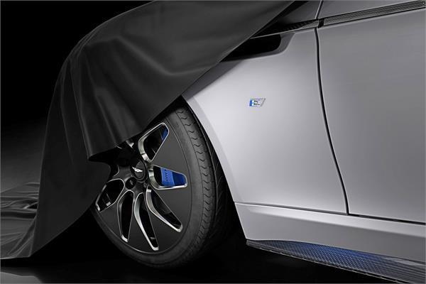हल्की होने के साथ-साथ पावरफुल भी होगी एस्टन मार्टिन की नई ऑल-इलैक्ट्रिक Rapide E sedan
