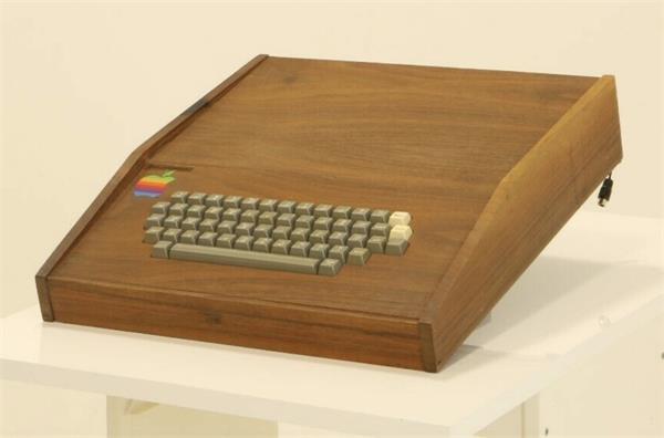 करोड़ों में बिकेगा स्टीव जॉब्स द्वारा तैयार किया गया Apple-1 कंप्यूटर