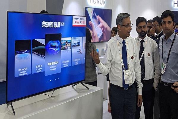 Indian Mobile Congress 2019 : लॉन्च हुआ दुनिया का पहला पॉप-अप कैमरा वाला Honor Vision स्मार्ट टीवी