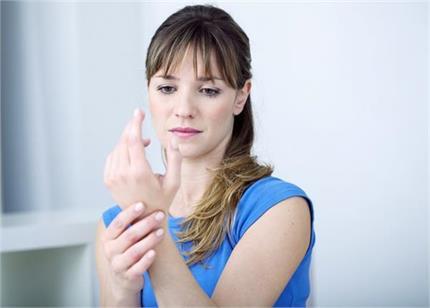 Arthritis Day: महिलाओं में आर्थराइटिस के 7 बड़े कारण, यूं रखें बचाव