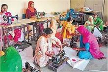 भारत को 'पॉलीथिन फ्री' बनाने में महिलाओं का अहम कदम, कल...