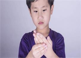 विश्व अर्थराइटिस दिवस: सिर्फ बुजुर्ग ही नहीं, बच्चे भी हो...