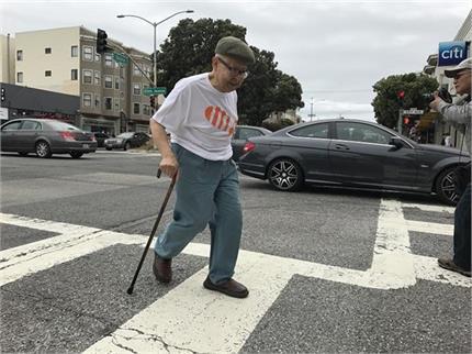 इस देश में बुजुर्गों के लिए बना है स्पेशल ट्रैफिक नियम