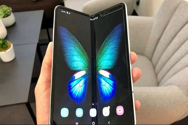 आधे घंटे में Samsung Galaxy Fold के 1600 यूनिट्स की हुई बिक्री