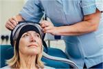 कीमोथेरेपी के समय बालों का झड़ना कम करें यह 1 तकनीक