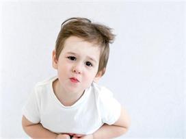 पेट में कीड़े होने पर बच्चों में दिखेंगे ये 8 लक्षण