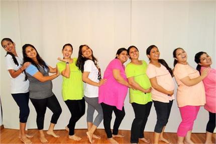 दुनिया की धारनाएं तोड़ बेबी बंप के साथ महिलाओं ने किया जमकर गरबा डांस