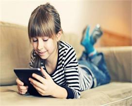 बच्चों को सिखाएं कैसे करें इंटरनेट का सही इस्तेमाल, मां-बाप...