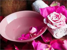 सेहत व त्वचा से जुड़ी इन प्रॉब्लम्स का हल है गुलाब की...