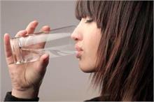 वजन घटाना चाहते हैं तो जान लें कब और कैसे पीएं पानी?