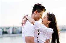 Zodiac Sign: पति को उंगलियों पर घुमाती है मेष राशि की...