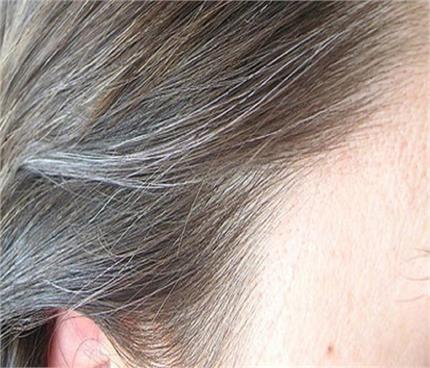 होममेड वॉटर थेरेपी: समय से पहले बाल नहीं होंगे सफेद