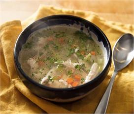 घर पर ही बनाएं टेस्टी एंड हेल्दी वेजीटेबल चिकन ब्रॉथ सूप