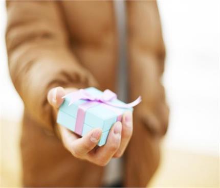 गिफ्ट्स को और Graceful बनाएंगे ये पैकिंग आइडियाज
