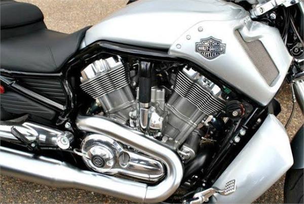 जानिए क्यों नहीं होता बाइक में डीजल इंजन