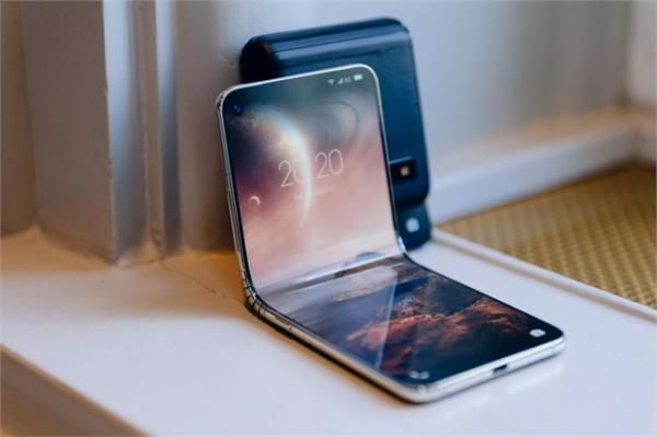 मोटोरोला के बाद अब शाओमी की बारी, लॉन्च करेगी मोटो रेज़र जैसा फोल्डेबल फोन